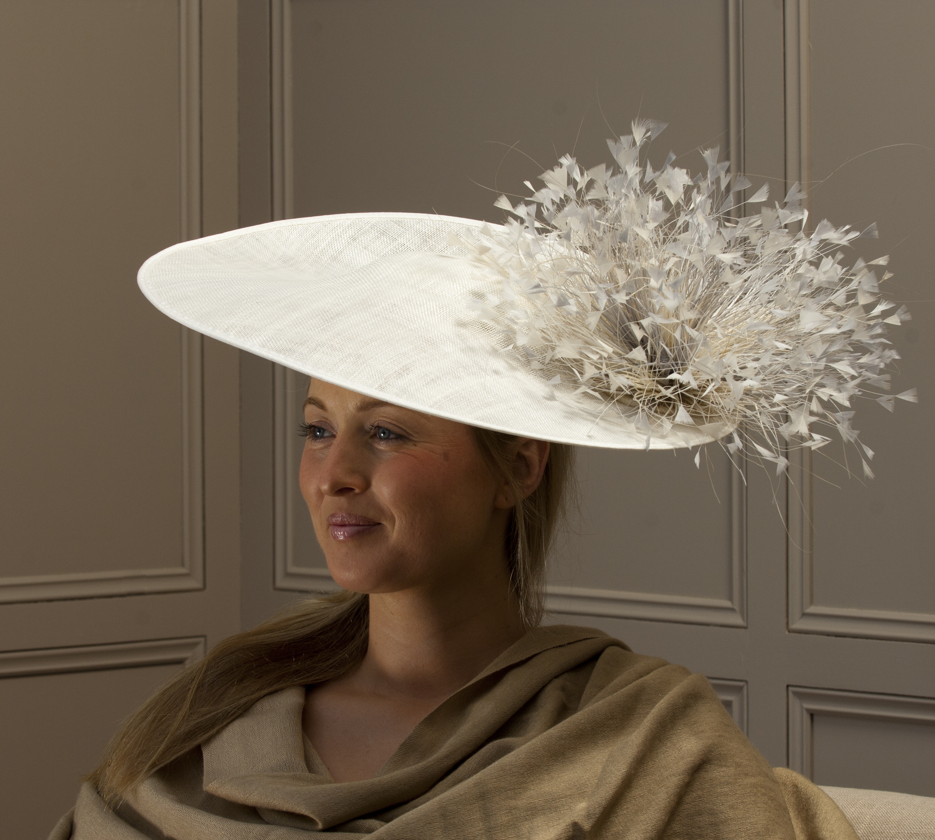 "Wiltshire 18"" dish hat by Hostie Hats"