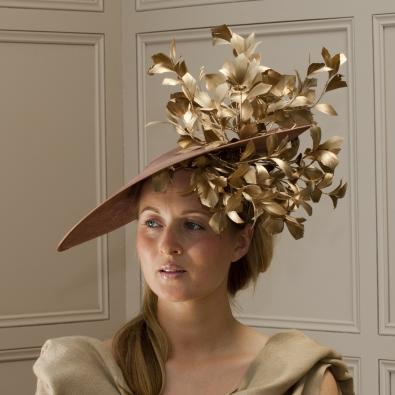"""Somerset 18"""" dish hat"""