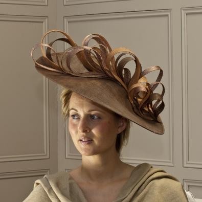 """Surrey Loop 18"""" dish hat"""