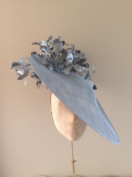 Somerset 18″ Dish Hat by Hostie Hats