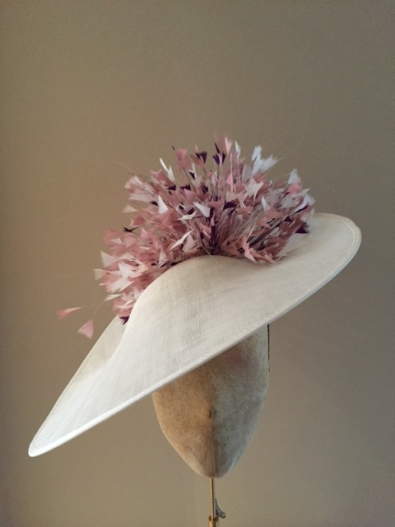 """Whiltshire 18"""" Dish Hat"""
