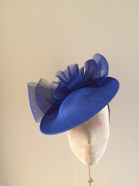 Harewood 12″ Dish Hat