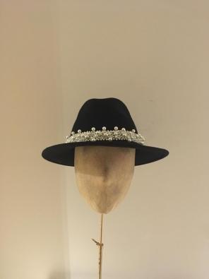 Sale Hat 34