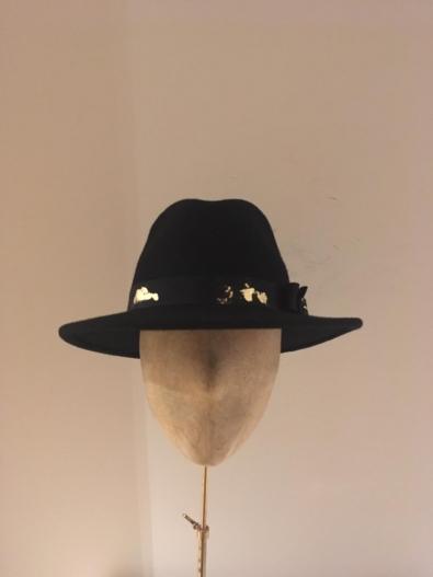 Sale Hat 31