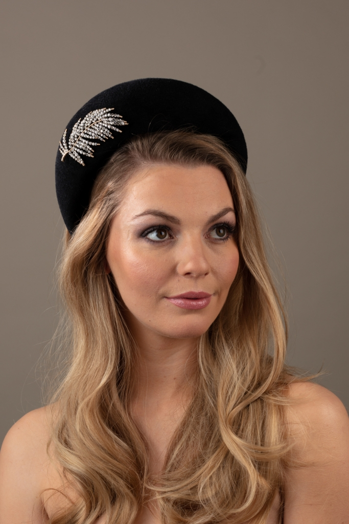 Blanc Headband Hostie hats