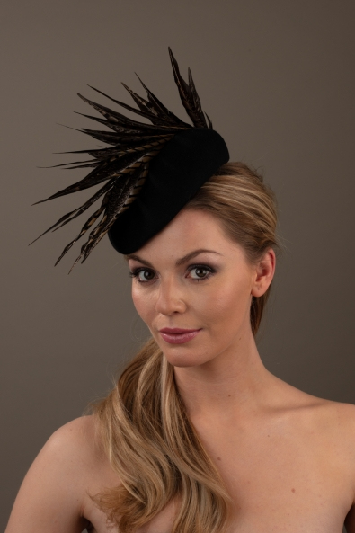 Krug Pillbox hat Hostie Hats