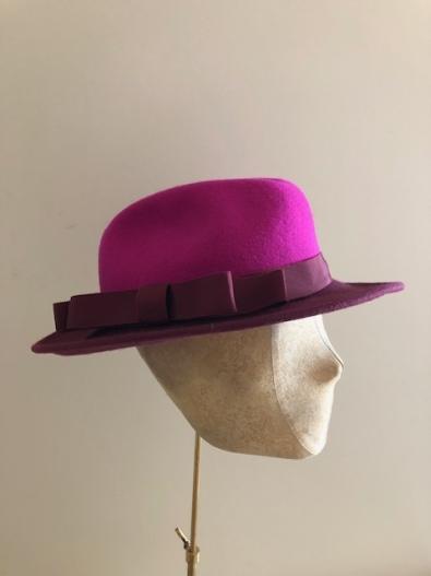 Sale hat 60