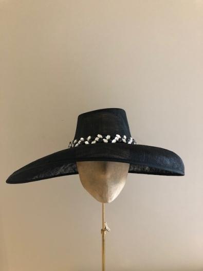 Sale hat 33