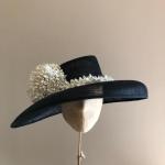 Sale hat 107