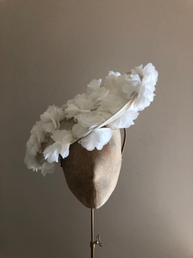 Sale hat 112