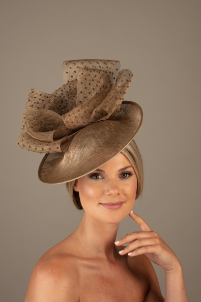 Genevre dish hat hostie hats