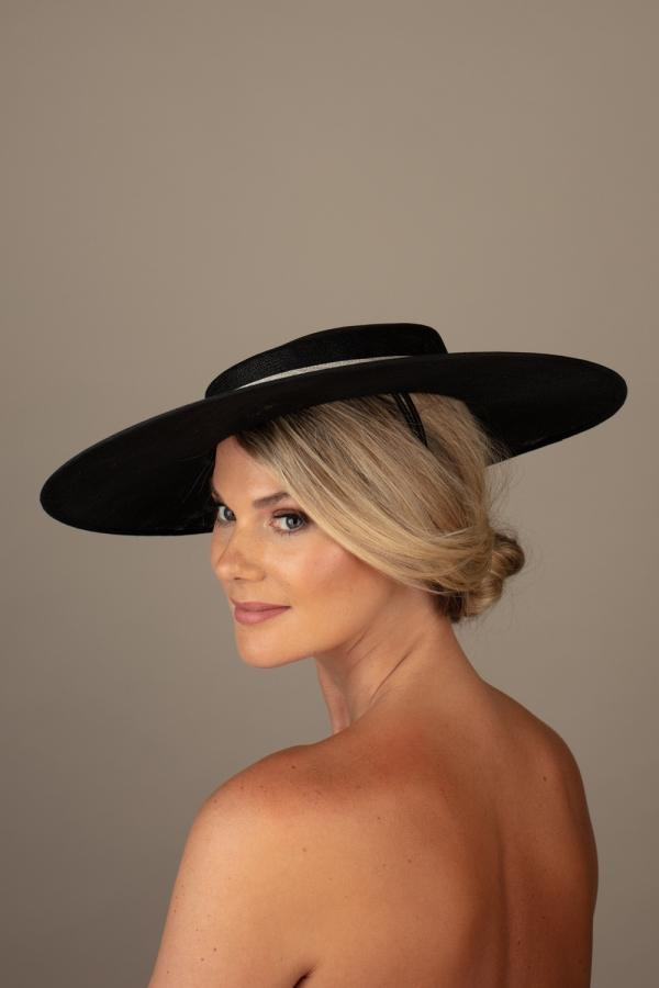 Gras Hat Hostie Hats