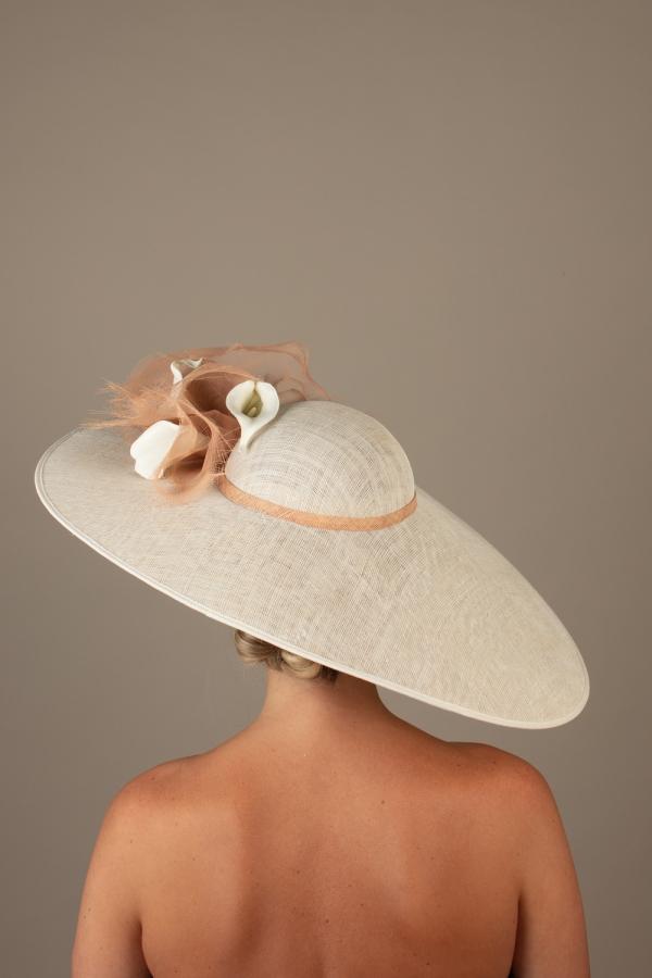 Versailles hat Hostie hats