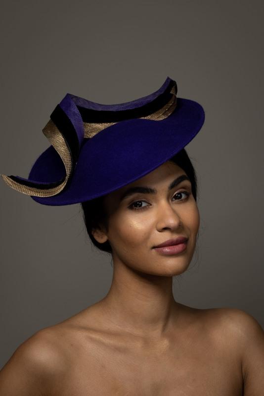 Etna dish hat hostie hats